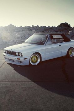 BMW E30 325iC, lowered