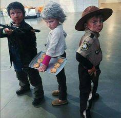 Mini Carol, Daryl e Rick, muito fofos!