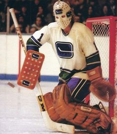 Canada Hockey, Goalie Mask, Cool Masks, Vancouver Canucks, Ice Hockey, Nhl, Warriors, Board, Classic