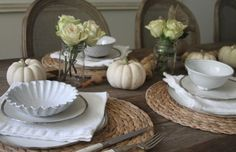All white and neutral Thanksgiving table courtesy of Haylie Duff and Real Girls Kitchen