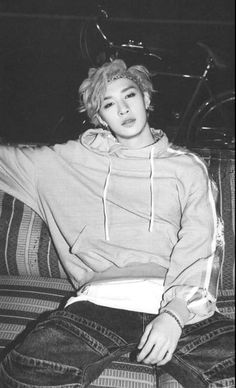 Read Unsure from the story Alone- {Bang Chan} by NightxWatch with 441 reads. Chan wasn't sure on how to feel. Chris Chan, Stray Kids Chan, Lee Know, Harry Potter, Boyfriend Material, K Idols, Pretty Boys, Boy Groups, Bangs