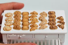 PetitPlat Miniatures by Stephanie Kilgast: Miniature Bakery and Breads - Boulangerie et Pains Miniatures
