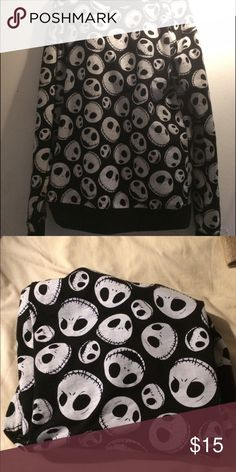 Nightmare before Christmas sweater 🤑SALE🤑 cute sweater! True to size Hot Topic Sweaters Crew & Scoop Necks