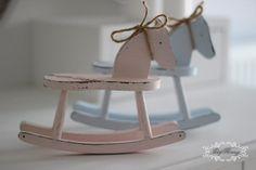 konik na biegunach, prezent Chrzest roczek różowy 29zl