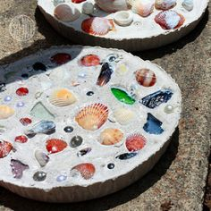 Another cute option with the seashells.  We could make one for each year that we go to the beach.