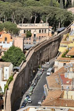 Wall from Vatican to Castel Sant'Angelo, Rome, Italy