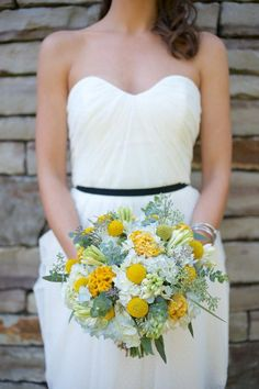 here we go with the yellow, sage, white and blue again and we <3 it!