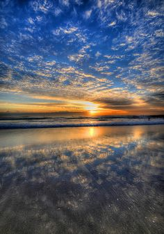 Gold Coast Sunrise, Australia;  photo by 5ERG10, via Flickr