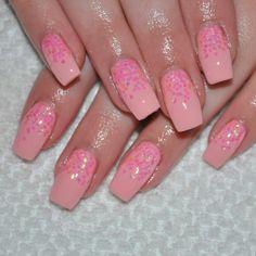 .@nailsbyeffi | #nails #naglar #nailsnailsnails #nagelteknolog #nagelkonst #gelenaglar #gelnails | Webstagram