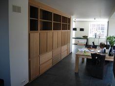Teakhouten inbouwkast. www.me-meubelontwerp.nl