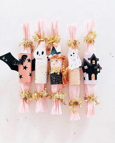 Halloween Birthday, Holidays Halloween, Spooky Halloween, Halloween Crafts, Holiday Crafts, Holiday Fun, Happy Halloween, Halloween Decorations, Festive