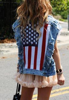 Levis Acid Wash American Flag Denim Vest £60.00.... ufta I'm gonna make something like this Denim Fashion, Girl Fashion, Womens Fashion, Rocker Style, Jackets For Women, Clothes For Women, Refashion, Jeans, Spring Fashion