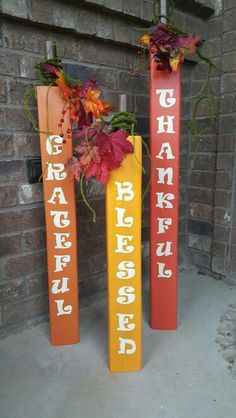 Fence post pumpkins for Thanksgiving …