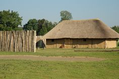 African Hut, Thatched House, Construction, Cabin, House Styles, Earth, Building, Cabins, Cottage