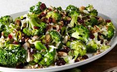 This healthy salad has both crunch and sweetness that can be eaten on its own or as a side dish.