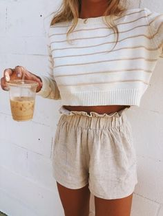 Fashion Dresses Tops Bottoms & Accessories 38 Beautiful Casual Summer Outfits Ideas You Must Try - spring summer fashion - linen shorts - white sweater Summer Work Outfits, Spring Outfits, Outfit Summer, Summertime Outfits, Summer Wardrobe, Layered Summer Outfits, Summer Clothes For Women, Summer Funeral Outfit, Tumblr Summer Outfits