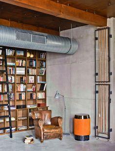 coin bibliothèque dans un loft