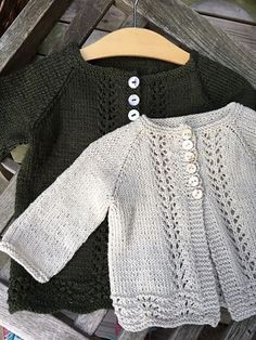 Ravelry: Old Shale cardi for big girls pattern by Anne B Hanssen Free Childrens Knitting Patterns, Baby Patterns, Knit Patterns, Baby Hats Knitting, Knitting For Kids, Free Knitting, Knitted Baby Cardigan, Cardigan Pattern, Knifty Knitter