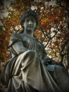 Allegheny Cemetery statue