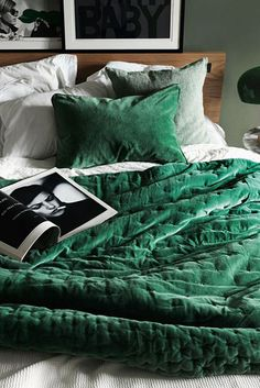 Twin Bed Sets With Comforter Refferal: 8067385980 Green Bedroom Design, Bedroom Green, White Bedroom, Bedroom Colors, Master Bedroom, Velvet Bedroom, Velvet Bedspread, Master Suite, Bed Sets
