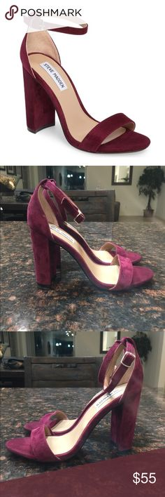 Steve Madden Carrson Block Heel Sandals Steve Madden Carrson Block Heel Sandals. Excellent condition and like new! This color is perfect for the holidays! Size 8.5. Steve Madden Shoes Sandals