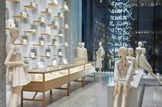 "VALENTINO,New York City,""White is the absence of color"", ALOOF mannequin by BONAVERI,display by Chameleon Visual, pinned by Ton van der Veer"