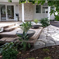 The Grove at Byron Bay - weatherboard, sandstone & decking!