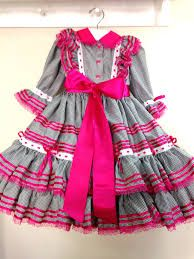 Resultado de imagem para vestidos festa junina infantil Girls Dresses, Summer Dresses, Kids Outfits, Rompers, Chocolates, Clothes, Fashion, Party Crop Tops, Children Dress