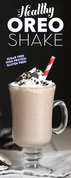 Love Oreos but don't want all the sugar, fat, and calories? Make this Healthy Oreo Shake recipe! It's refined sugar free, high protein, and gluten free! Oreo Shake, Oreo Milkshake, Protein Shake Recipes, Smoothie Recipes, Soup Recipes, Diet Recipes, High Protein Desserts, Healthy Dessert Recipes, Deserts