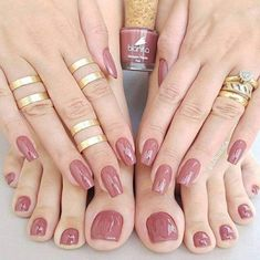 Semi-permanent varnish, false nails, patches: which manicure to choose? - My Nails May Nails, Love Nails, Hair And Nails, Toe Nail Color, Nail Colors, Perfect Nails, Gorgeous Nails, Shiny Nails, Manicure E Pedicure