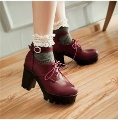 Dr Shoes, Me Too Shoes, Creepers Shoes Outfit, Saddle Shoes Outfit, Cute Shoes Boots, Punk Shoes, Golf Shoes, Chunky High Heels, High Heel Boots