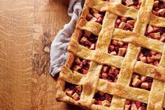"""Cranberry-Apple Slab Pie—""""Making a pie in a large jelly roll pan means you can easily serve a crowd. Plus, a slab is so much simpler to transport and slice without making a mess. Talk about a win-win! Canadian Living Recipes, Canadian Food, Apple Desserts, No Bake Desserts, Pie Recipes, Dessert Recipes, Apple Slab Pie, Jelly Roll Pan, Desert Recipes"""