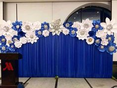 No photo description available. Stage Decorations, Birthday Party Decorations, Wedding Decorations, Flower Wall Backdrop, Paper Flower Backdrop, Paper Flowers Wedding, Giant Paper Flowers, Wedding Wall, Wedding Stage