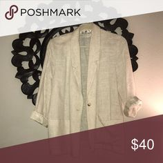 Vintage cream linen blazer This vintage cream blazer is perfect for your spring wardrobe! Light and stylish for an evening out or dress it up for work. Jackets & Coats Blazers