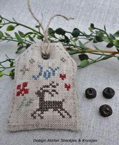 Steekjes & Kruisjes van Marijke: Cross stitch Christmas decoration