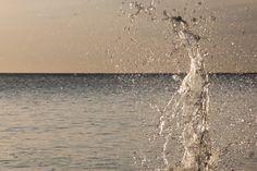 Na lange, warme fotografie stagedagen met de dolfijnen in het mooie Dushi Korsow, stapte ik samen met mijn vriend in de auto om nog even lekker in de zee te gaan zwemmen terwijl de zon onderging. Dit leverde paradijsachtige herinneringen op! Meer weten over deze bestemming? http://to.kras.nl/pinterest_curacao