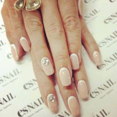Find images and videos about nails, nail polish and manicure on We Heart It - the app to get lost in what you love. Tan Nails, Hair And Nails, Cream Nails, Glitter Nails, Nail Swag, White Nail Polish, White Nails, Nail Art Designs, Elegant Nails