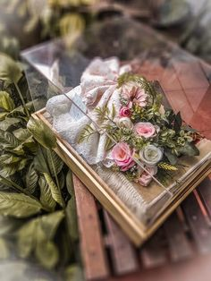 58 Ideas for gifts photography ideas wedding photos Rustic Wedding Gifts, Wedding Gift Boxes, Wedding Cards, Diy Backdrop, Flower Backdrop, Wedding Hamper, Wedding Cakes With Flowers, Diy Flowers, Best Boyfriend Gifts