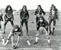 KISS, Cadillac High, Michigan (1975)--The way Gene is looking at that kid is a little disturbing...
