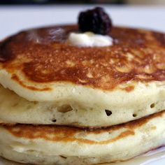 Best Pancakes - Yes, these are! @keyingredient #recipes #easy #delicious