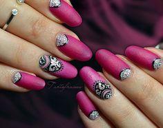Nouvelle vidéo en ligne sur YouTube, lien dans la bio !  #tartofraises #nailart #nails #notd #npa #nailpolish #rose #pink #girlynails #girly #blingbling #glitteraddict #colorclub #colorclubnaillacquer #colorclubfrance @colorclubfrance @colorclubnaillacquer #nailsart #nailtrends #nailideas #nailist #nails2inspire #nailinspiration