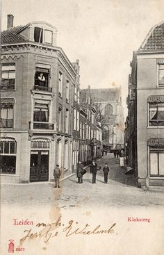 Kloksteeg gezien vanaf het Rapenburg rond 1900. Leiden, Good Old Times, Holland, History, City, Places, Photos, Nostalgia, The Nederlands