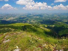 Parco Nazionale dei Monti Sibillini, Mt Sassotetto (1626m) between Sarnano and Bolognola - Marche, Italy