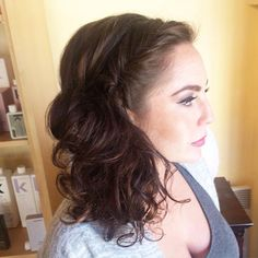 #bridesmaid hair by @tawshadawn #weddinghair #bridesmaidhair #halfup #style #weddinghair #tawshadawn #jigsawforhair #yegsalon #yegstylist #yeg