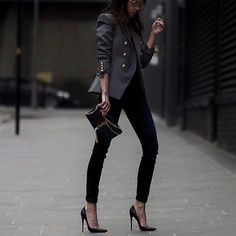 stylous in the city !!!!!! #fashion #shoes #top #style