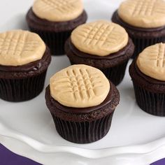 Cupcake Recipes : Chocolate Cupcakes with Peanut Butter Cookie Frosting
