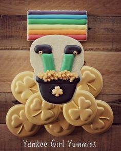 "79 Likes, 3 Comments - Kari - Yankee Girl Yummies (@yankeegirlyummiescookies) on Instagram: ""#stpatricksday #cookies from way back! I totally want to make a new set! #gold #leprechaun #rainbow"""