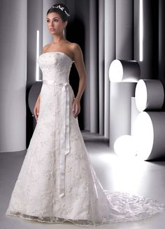 Style 8260 » Wedding Gowns » DaVinci Bridal » Available Colours : Ivory, White