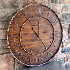 A clock is a very simple and common item that almost anyone has in their homes. It's both a decoration and a useful item. Wooden Clock, Metal Clock, Pallet Clock, Diy Clock, Clock Ideas, Large Clock, Cool Clocks, Wood And Metal, How To Antique Wood