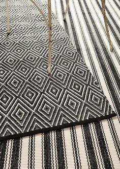 Indoor/Outdoor Lighthouse Black Ivory - black, white, striped, rug